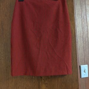 Express size 6 pencil skirt - red and black